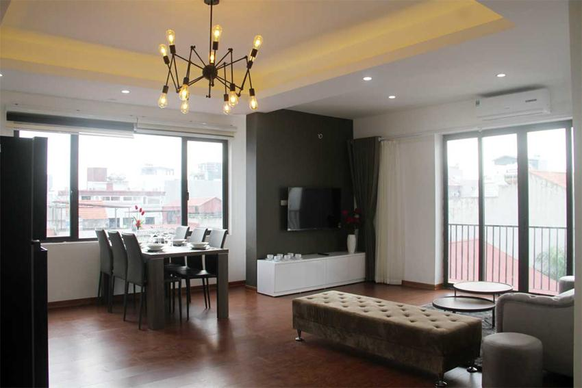 2 bedroom apartment for rent in 31 Xuan Dieu