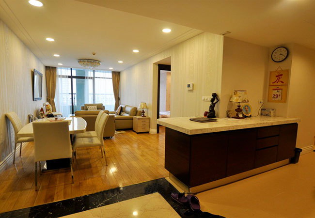 2 bedroom apartment in Hoang Thanh high class building