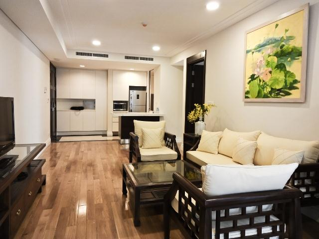 2 bedroom apartment in Hoang Thanh Tower for rent