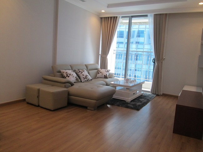 2 bedroom nice apartment for rent in Vinhomes - 54 Nguyen Chi Thanh