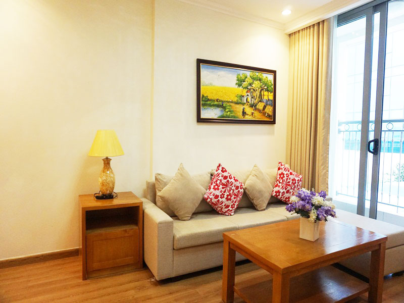 2 bedroom nice apartment in Vinhomes Nguyen Chi Thanh for rent