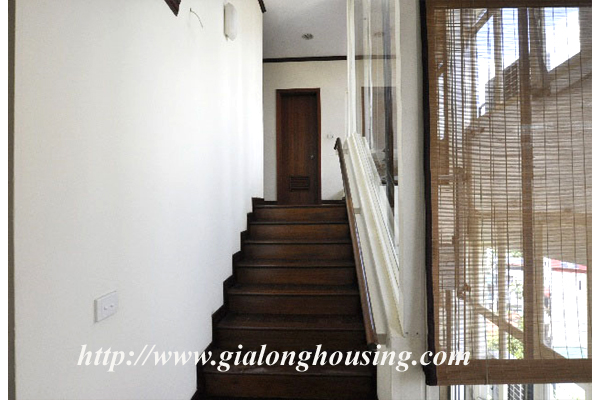 Luxury 3 bedroom apartment for rent in Xuan Dieu street,lake view 10