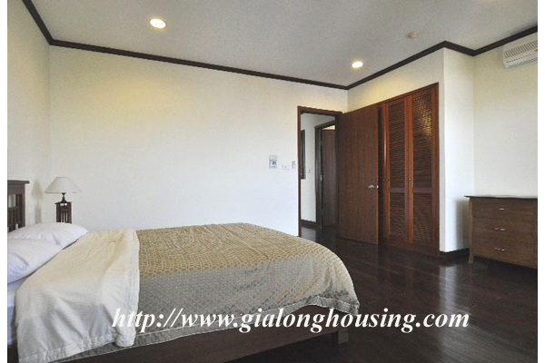 Luxury 3 bedroom apartment for rent in Xuan Dieu street,lake view 13