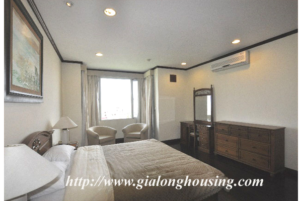 Luxury 3 bedroom apartment for rent in Xuan Dieu street,lake view 15