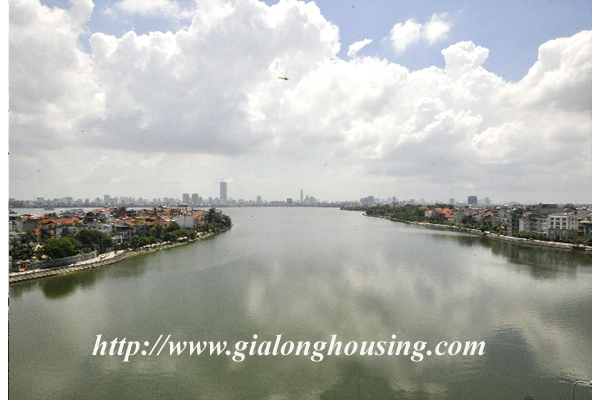 Luxury 3 bedroom apartment for rent in Xuan Dieu street,lake view 4