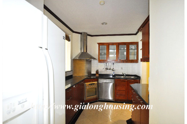 Luxury 3 bedroom apartment for rent in Xuan Dieu street,lake view 5