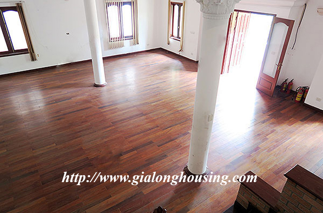 Very big unfurnished villa for rent in To Ngoc Van main road 13