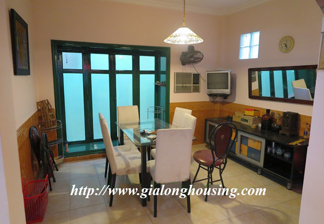 Garden house with 2,5 floor for rent in Doi Can 13