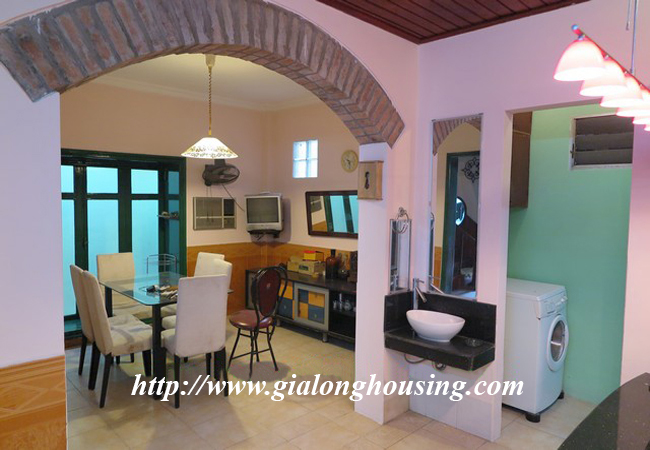 Garden house with 2,5 floor for rent in Doi Can 15