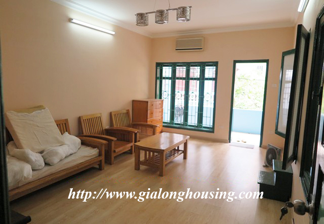 Garden house with 2,5 floor for rent in Doi Can 16