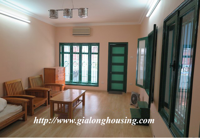 Garden house with 2,5 floor for rent in Doi Can 17