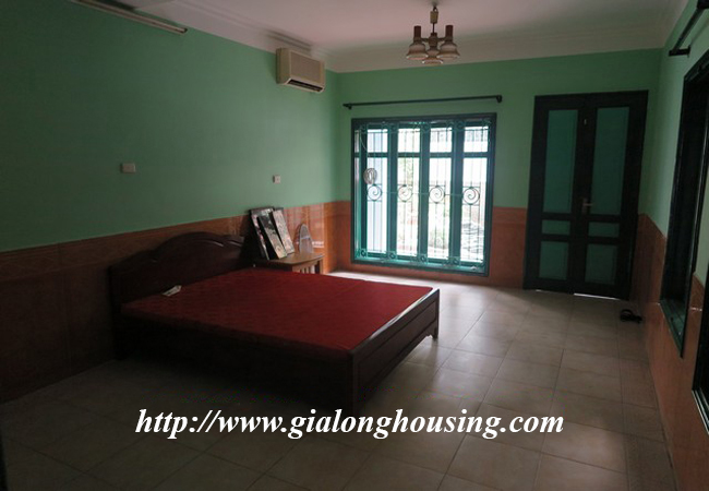 Garden house with 2,5 floor for rent in Doi Can 18