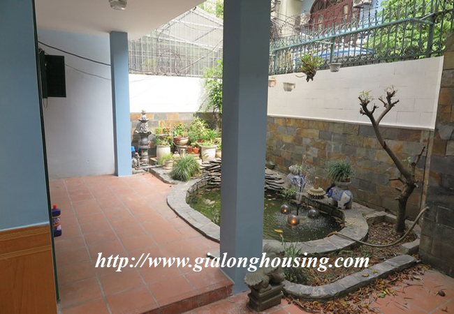 Garden house with 2,5 floor for rent in Doi Can 6