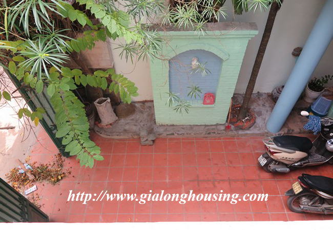Garden house with 2,5 floor for rent in Doi Can 8