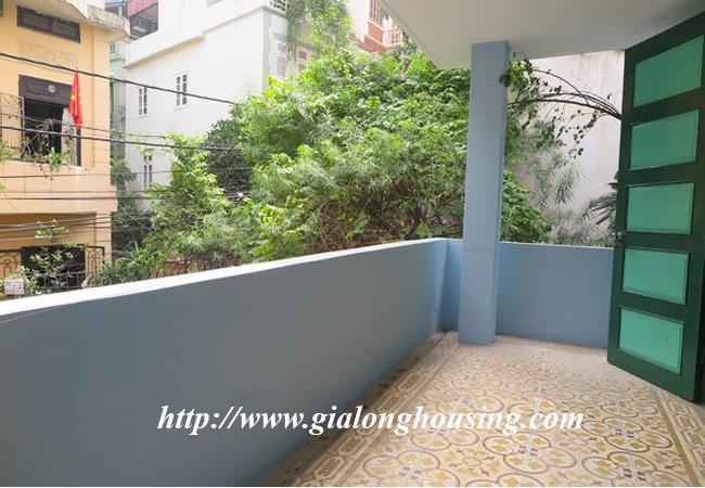 Garden house with 2,5 floor for rent in Doi Can 2