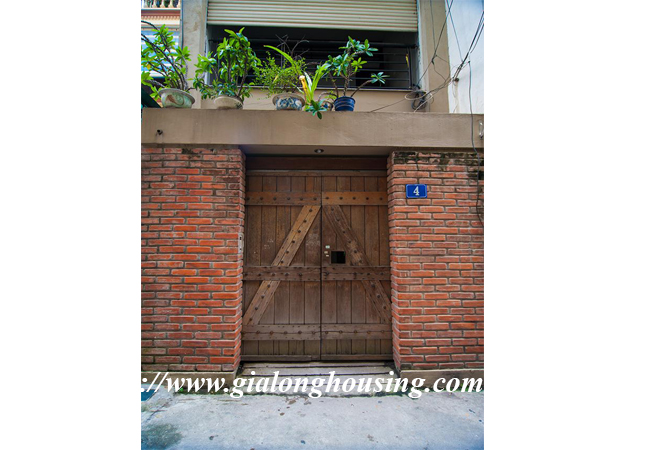 Comfortable and modern house in Nguyen Khanh Toan for rent 3