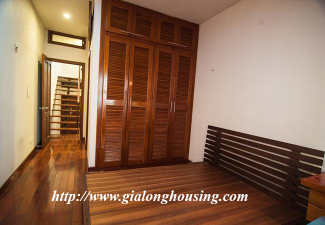 Comfortable and modern house in Nguyen Khanh Toan for rent 10