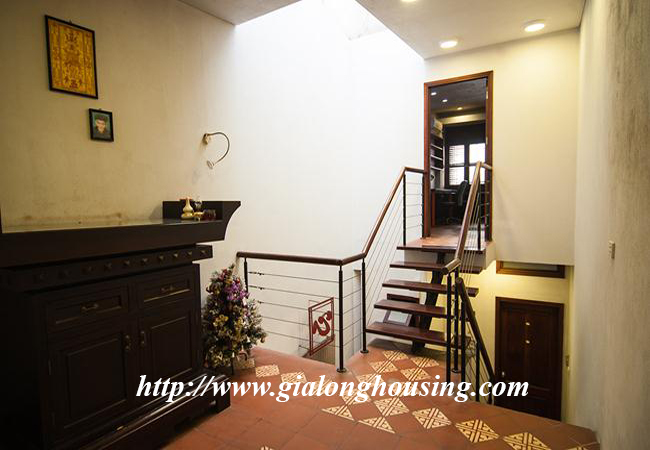 Comfortable and modern house in Nguyen Khanh Toan for rent 17