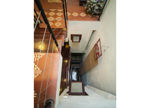 Comfortable and modern house in Nguyen Khanh Toan for rent 5