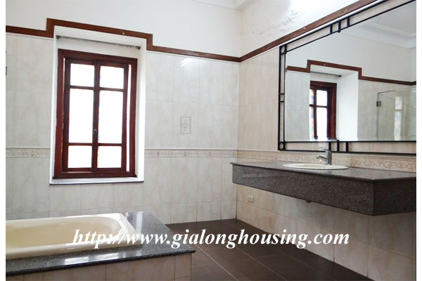 Bright house for rent in Hoan Kiem district 16