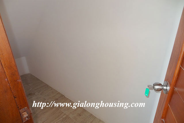 Duplex apartment in Xom Chua, Dang Thai Mai street for rent 4