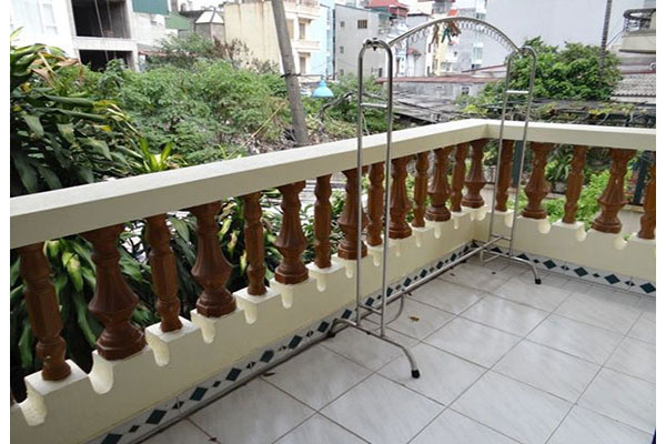 Nice house with garden in Hoang Hoa Tham, Ba Dinh district 8
