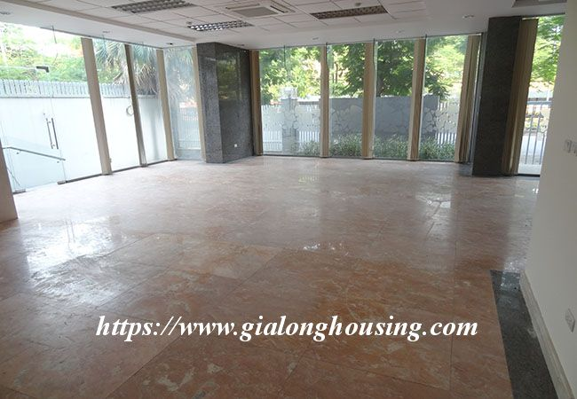 Big house for rent in Lac Long Quan, no furniture 16