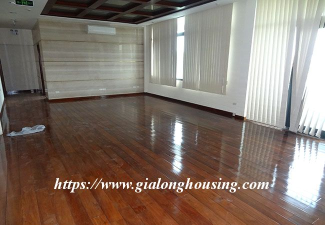 Big house for rent in Lac Long Quan, no furniture 19