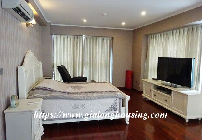 L1 Ciputra big apartment for rent, luxury furniture 10