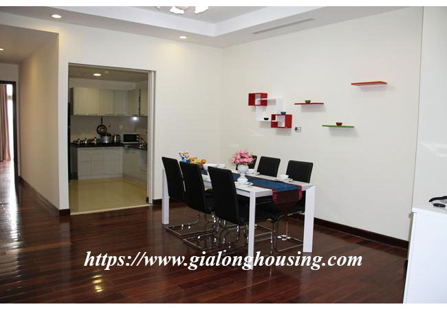 Cozy apartment in R5 building for rent, Royal City 3