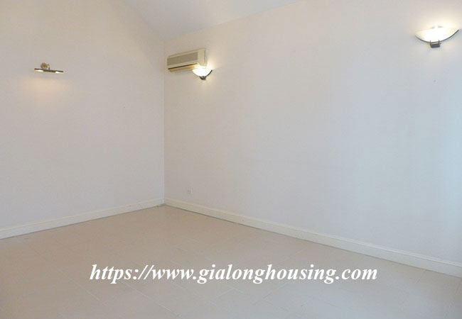 Unfurnished lake front house for rent in Tay Ho 15