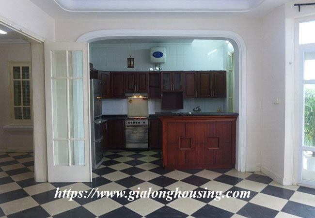 Unfurnished lake front house for rent in Tay Ho 4