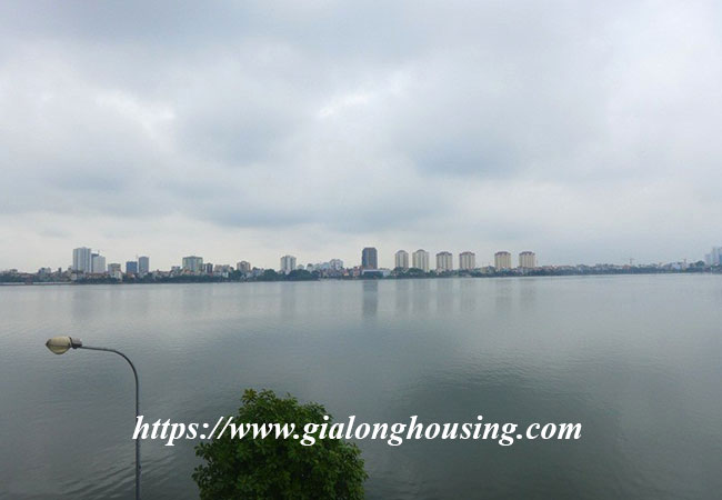 Unfurnished lake front house for rent in Tay Ho 16