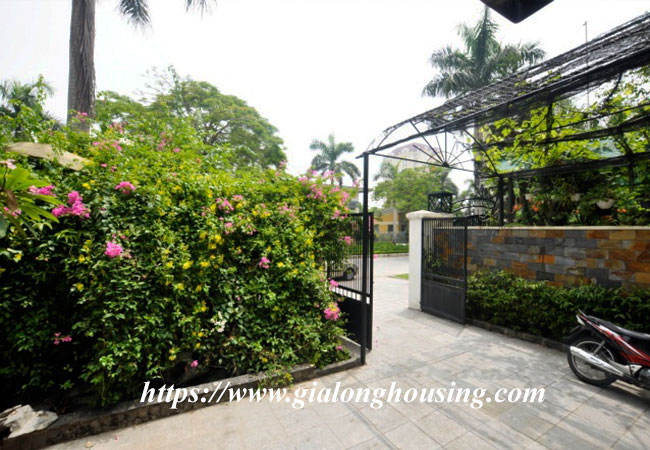 Big villa in Ciputra for rent with full of furniture 4