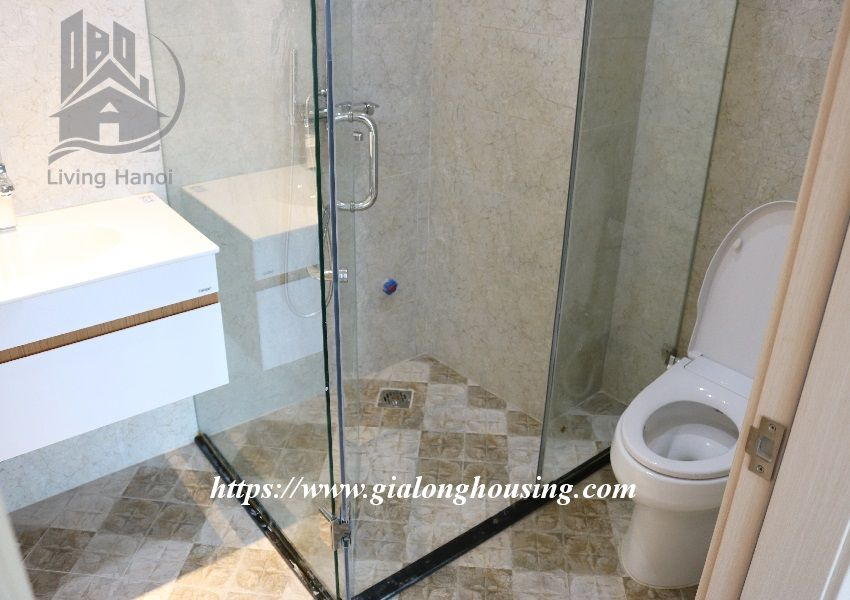 Brand new apartment in Hoang Hoa Tham, walking to West lake 10