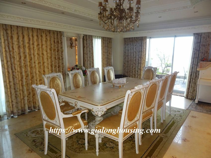 Duplex apartment with neoclassical architecture style in Golden Westlake 10