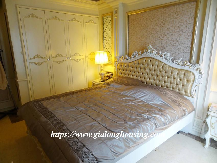 Duplex apartment with neoclassical architecture style in Golden Westlake 17