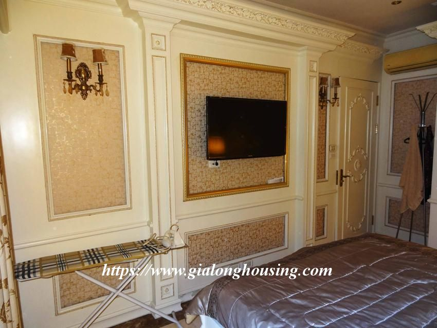 Duplex apartment with neoclassical architecture style in Golden Westlake 20