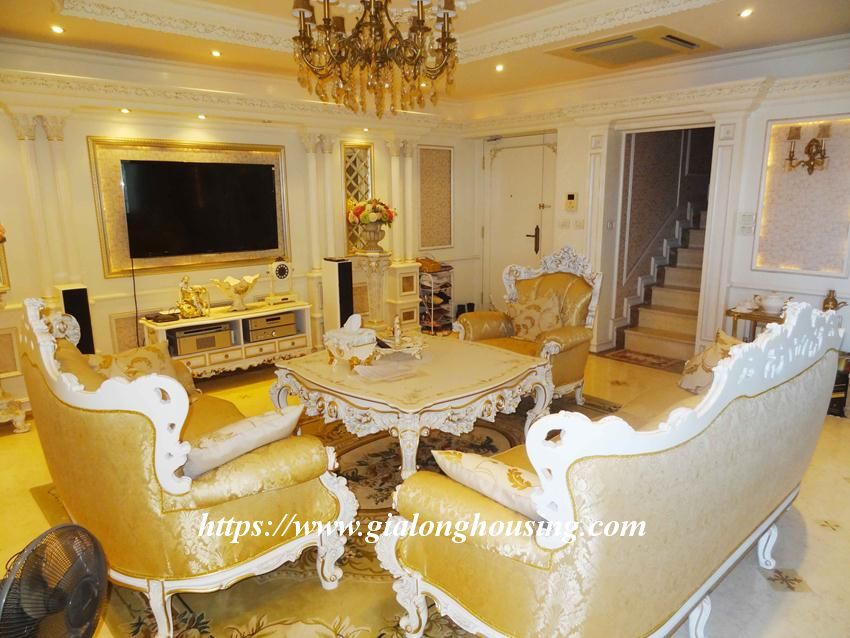 Duplex apartment with neoclassical architecture style in Golden Westlake 4