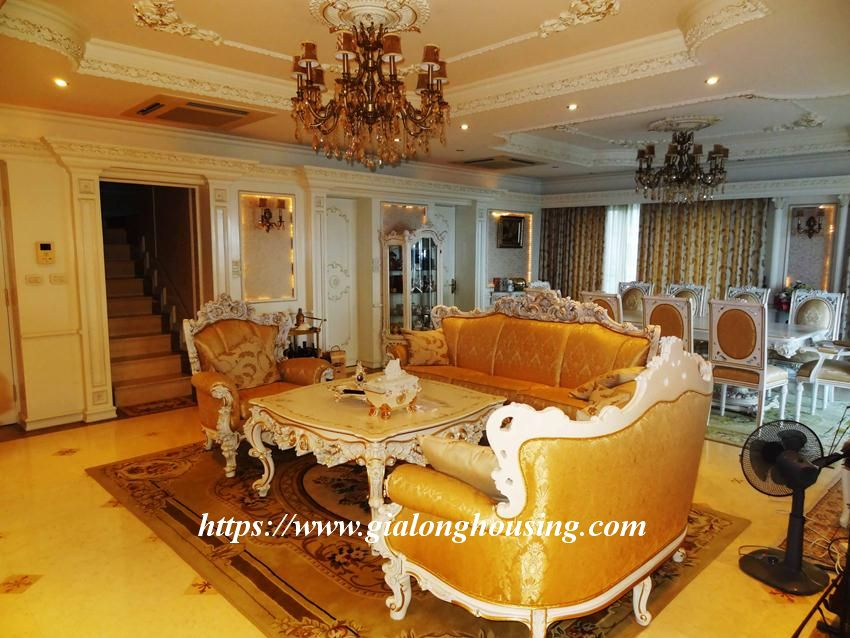 Duplex apartment with neoclassical architecture style in Golden Westlake 9