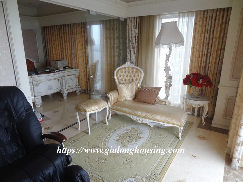 Duplex apartment with neoclassical architecture style in Golden Westlake 6