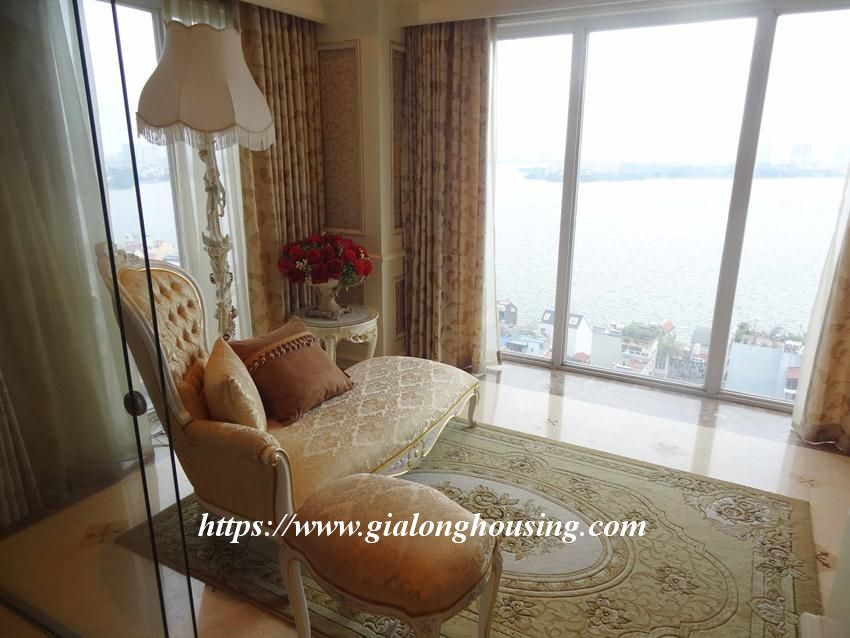 Duplex apartment with neoclassical architecture style in Golden Westlake 8