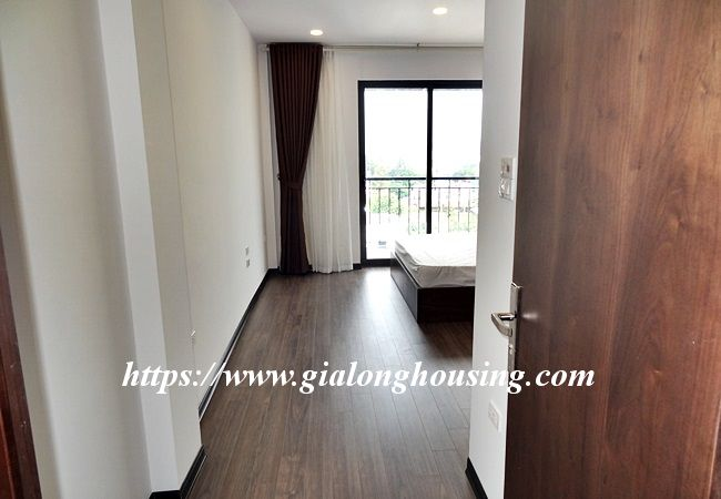 Lake view apartment for rent in 31 Xuan Dieu 11