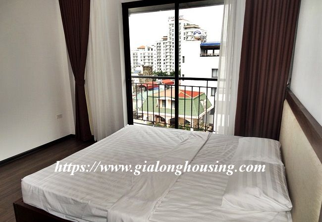 Lake view apartment for rent in 31 Xuan Dieu 13
