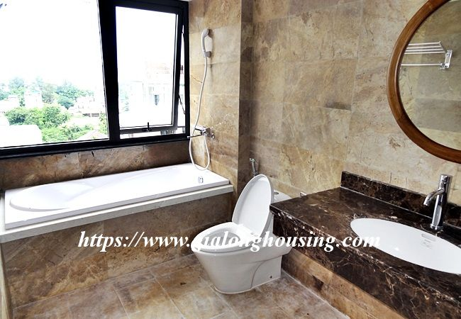 Lake view apartment for rent in 31 Xuan Dieu 17