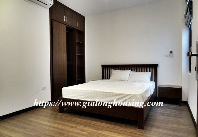 Lake view apartment for rent in 31 Xuan Dieu 18