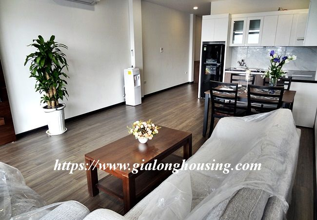 Lake view apartment for rent in 31 Xuan Dieu 3