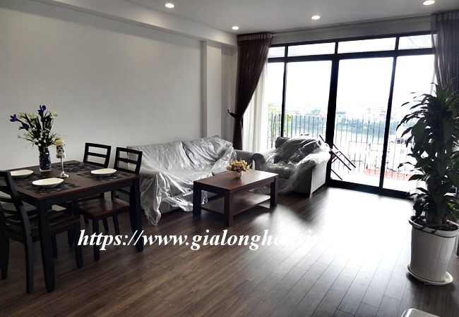 Lake view apartment for rent in 31 Xuan Dieu 4