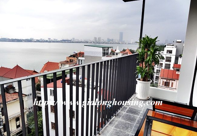 Lake view apartment for rent in 31 Xuan Dieu 6