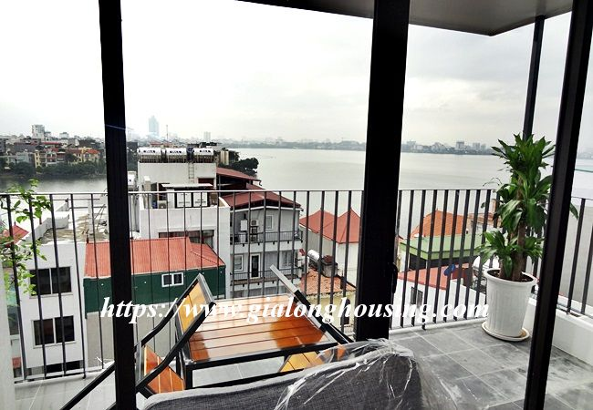 Lake view apartment for rent in 31 Xuan Dieu 8